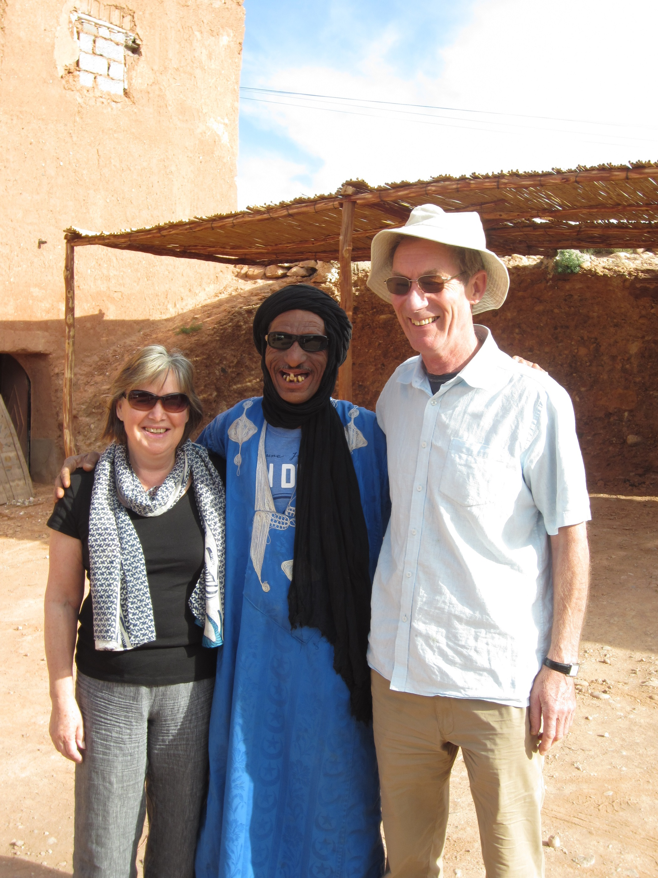 Greeting and eating travel etiquette in morocco greeting and meeting kristyandbryce Choice Image
