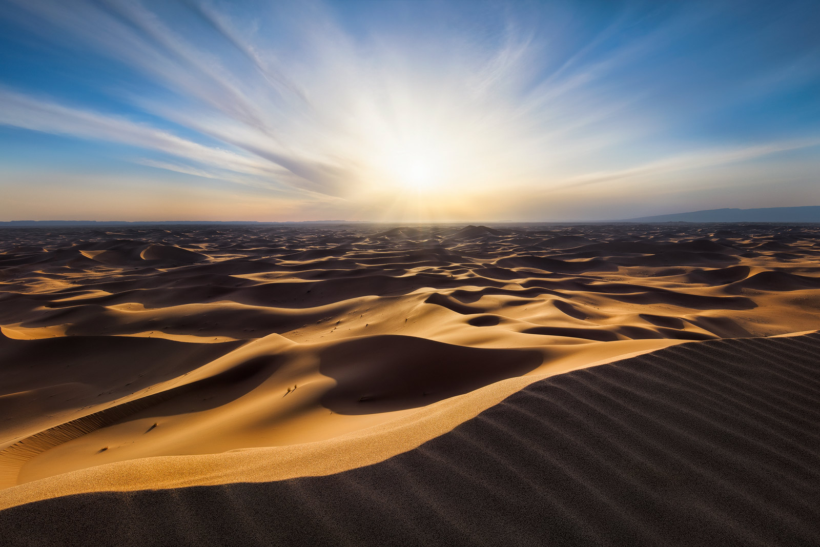 Erg Chigaga or Erg Chebbi dunes? Infinite Sands by Michael Breitung.