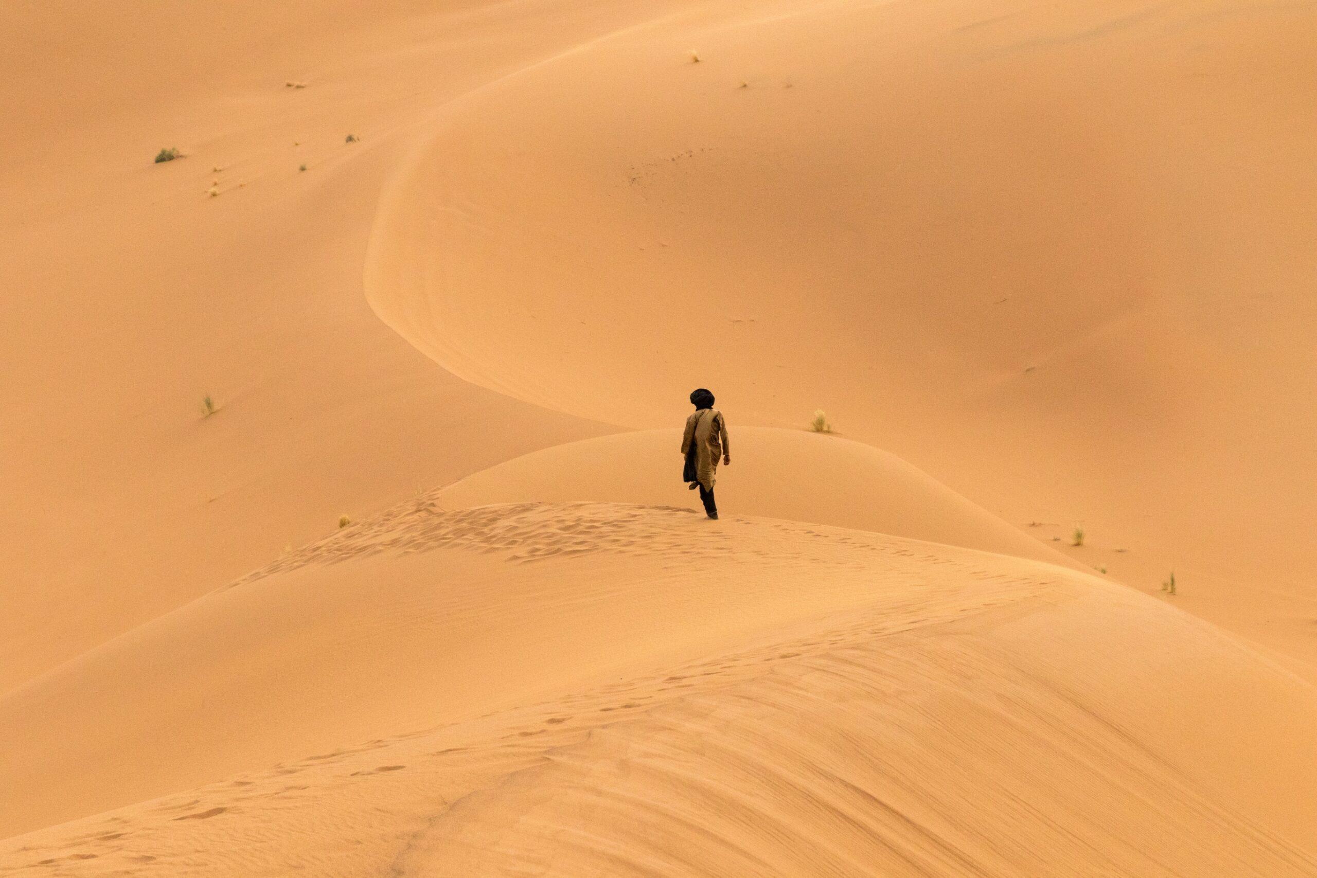 Slow Travel Morocco - hike the Moroccan Sahara